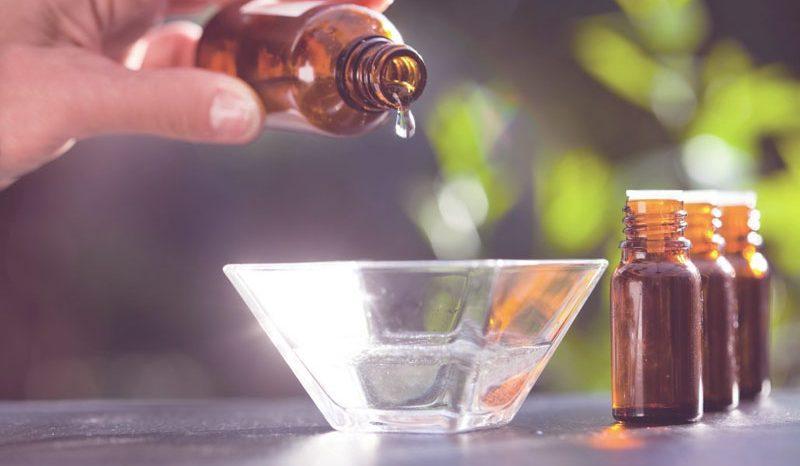Les meilleurs huiles essentielles que tout le monde devrait avoir en stock