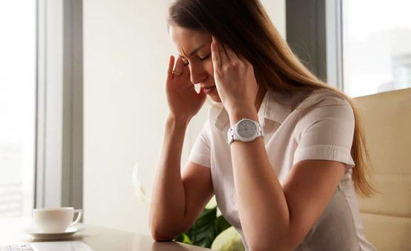 Quelle huile essentielle contre la migraine et les maux de tête ?