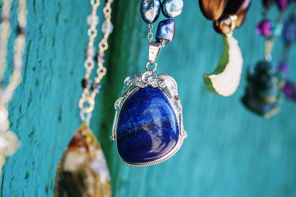 Lapis Lazuli La Pierre Cosmique Qui Chasse Le Mauvais œil