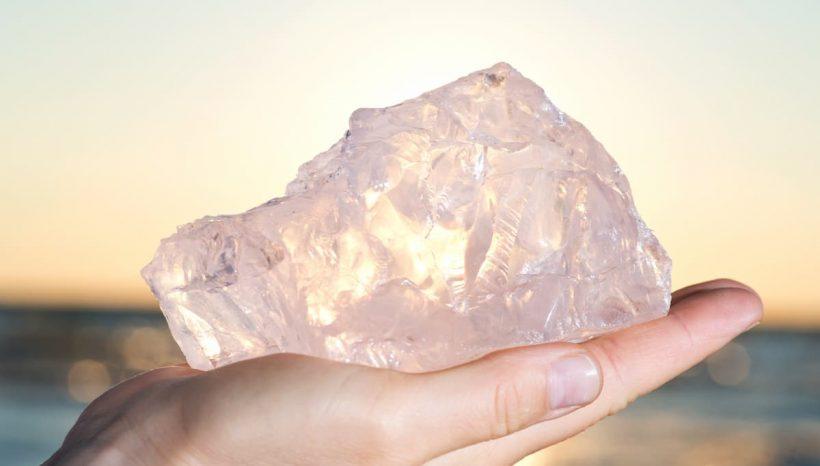Quartz rose, bienfaits et utilisation de la «pierre d'amour»