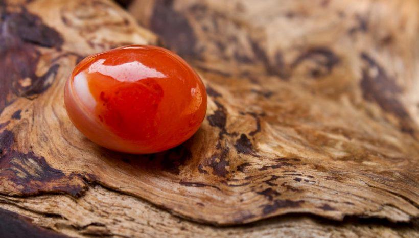 La Cornaline : une pierre de réconfort qui stimulerait la créativité