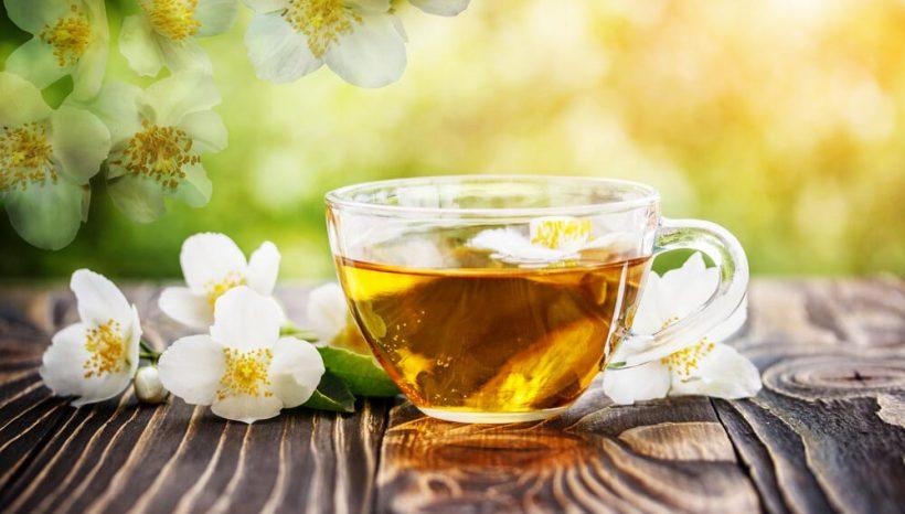10 bienfaits merveilleux du thé au jasmin