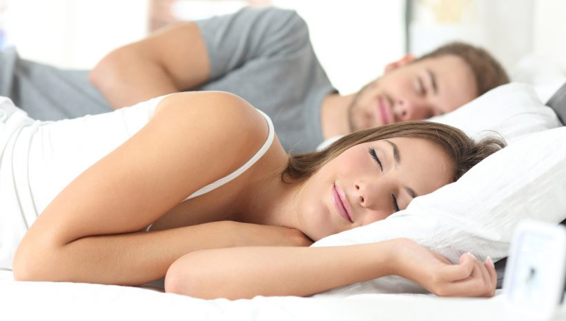Surmatelas à mémoire de forme : Comment peut-il vous aider à mieux dormir ?