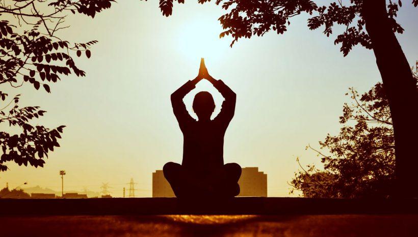 Méditation du matin : 8 bienfaits + comment y parvenir ?