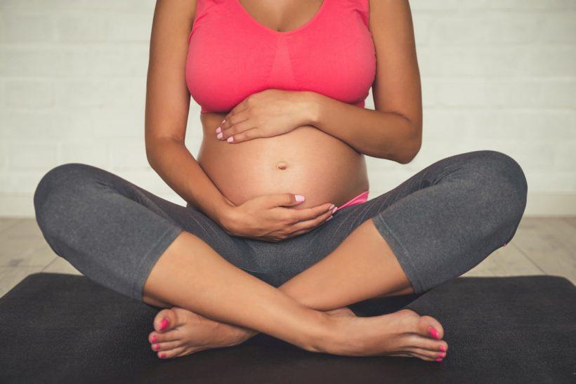 Le guide du yoga prénatal, quels bienfaits pendant la grossesse ?
