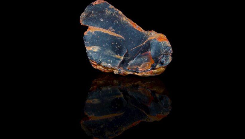 L'Onyx, vertus et utilisation d'une pierre à la beauté sombre