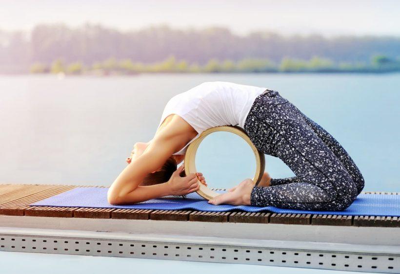 Yoga wheel, comment utiliser cet accessoire de Yoga ?