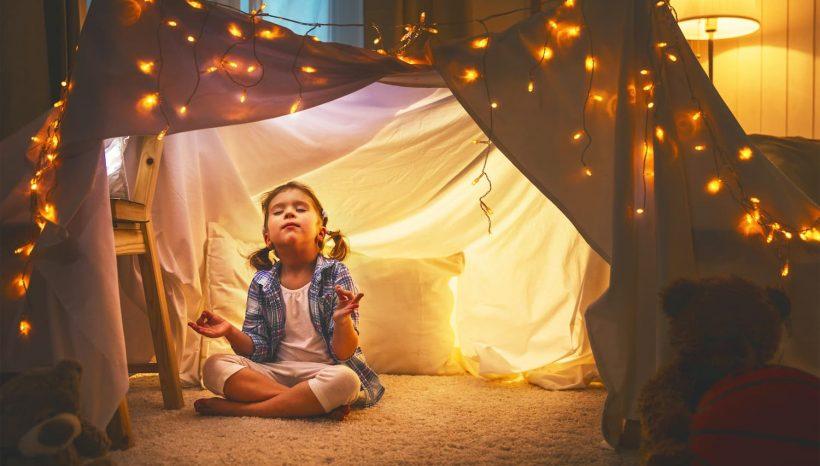 Comment et pourquoi initier son enfant à la méditation ?
